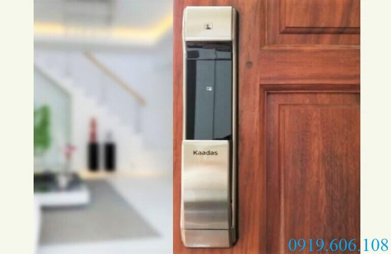 Khóa cửa vân tay Kaadas K17 cao cấp, tích hợp nhiều tính năng mở khóa cực tiện lợi khi sử dụng