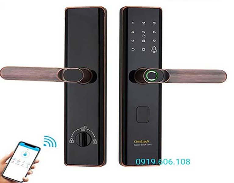 Khóa cửa thông minh OneLock WM002 là một dòng khóa nổi tiếng được nhiều người ưa chuộng, khóa có nhiều tiện ích thiết thực, độ bảo mật cao