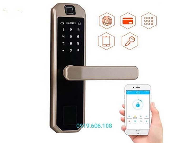 Khóa Cửa Thông Minh OneLock WS001 mở khóa qua app trên điện thoại thông minh kết nối bằng Bluetooth giúp mở khóa nhanh, thuận tiện hơn cho người sử dụng