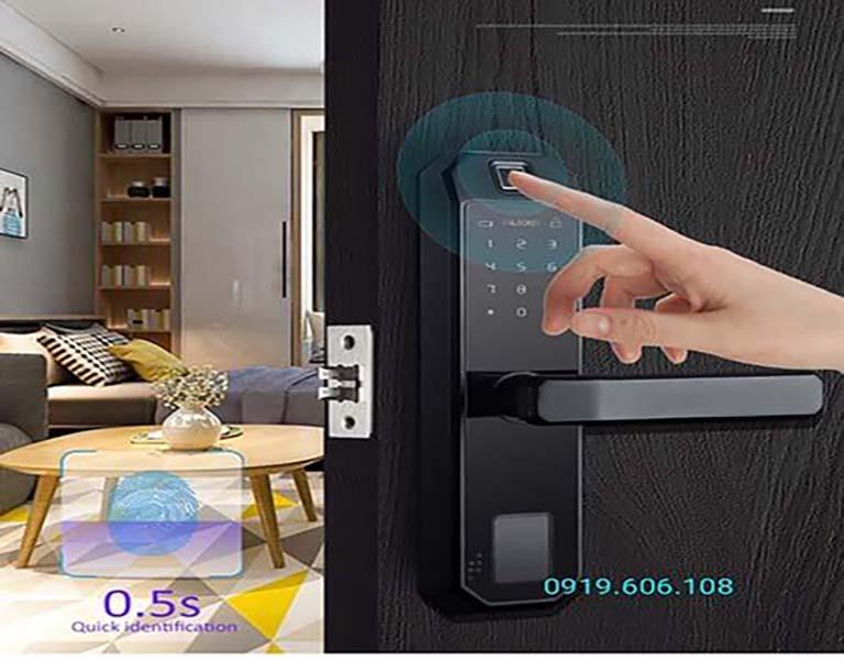 Khóa Cửa Thông Minh OneLock WS001 trang bị công nghệ hiện đại, nhiều tính năng nổi bật, mở khóa đa chức năng