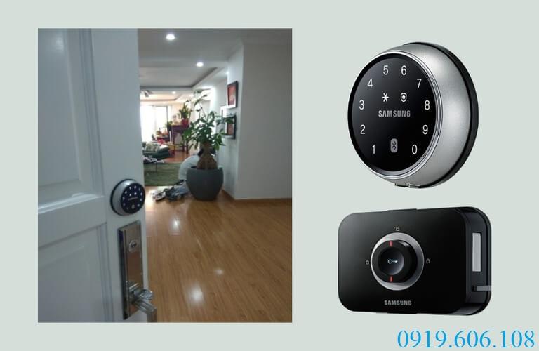 Lắp đặt khóa cửa điện tử thông minh Samsung DS705MK/EN giúp người dùng yên tâm về sự an toàn cho không gian sống