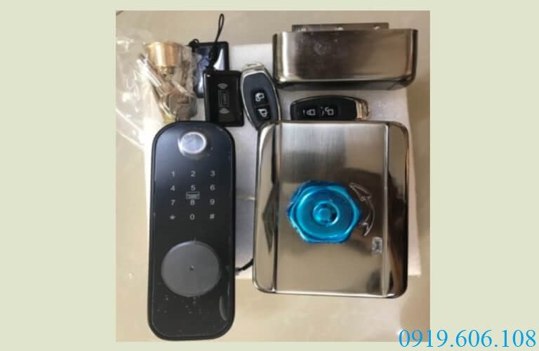 Khóa cửa thông minh ViroSmart VR-1200A thích hợp lắp đặt cho cửa công và cửa trong nhà, tăng độ bảo an hiệu quả