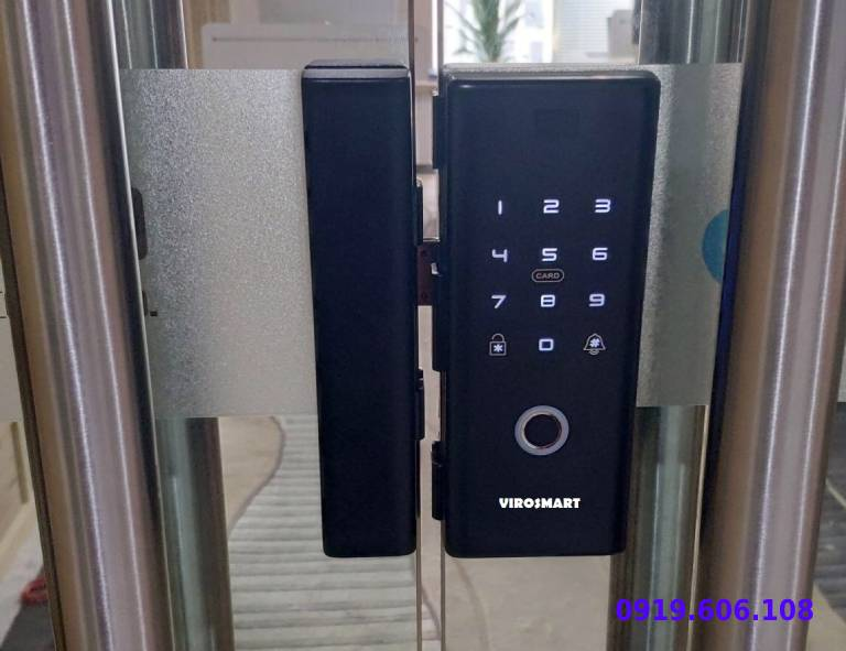 câu hỏi về khóa vân tay viro smart lock 4in1 VR-E12