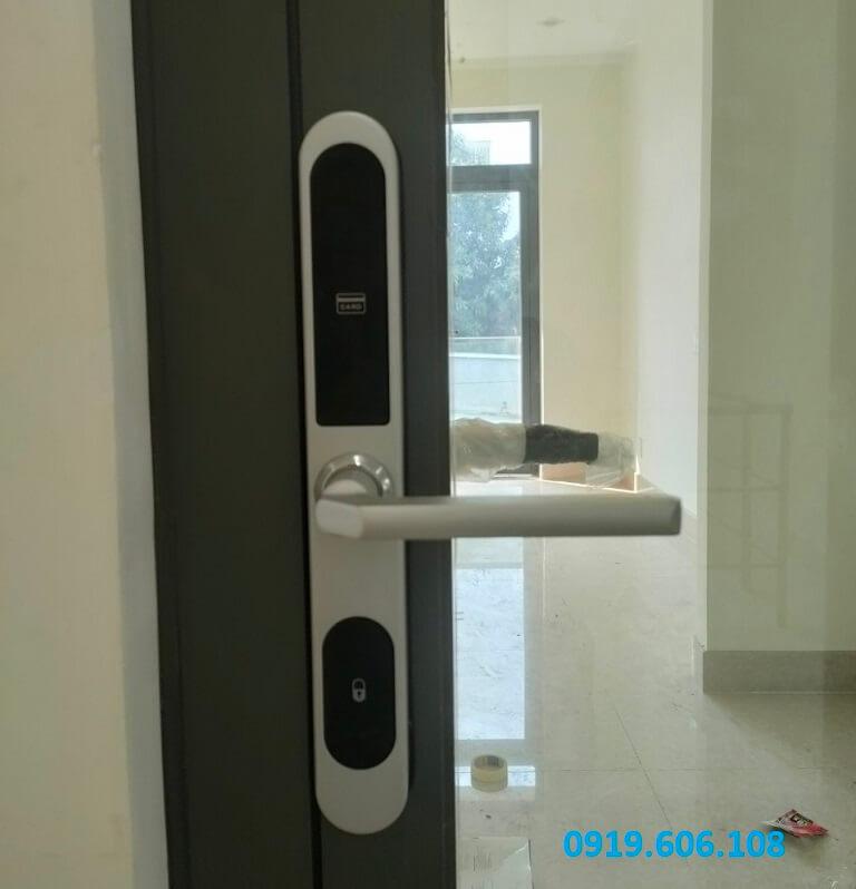 Khóa Cửa Thẻ Từ Khách Sạn Viro Smart Lock VR-P21