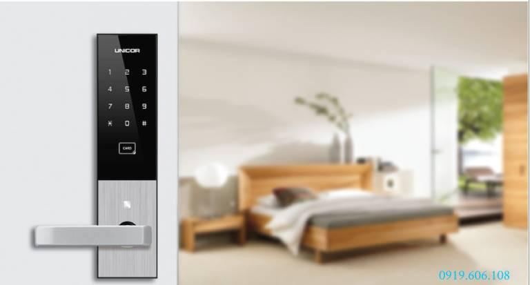 Lưu ý lắp đặt Khóa cửa thẻ từ Unicor UN-6700SK Black