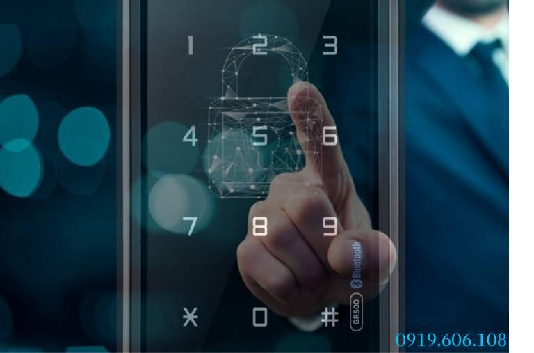 Lưu ý lắp đặt Khóa Cửa Thông Minh Unicor GR500-BW-GLC