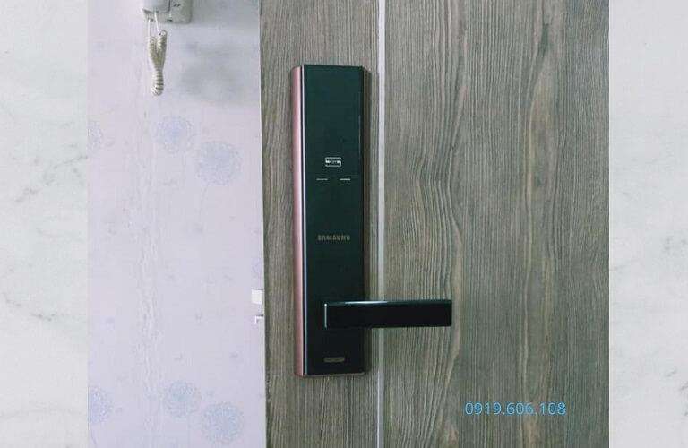 Khóa Cửa Thẻ Từ Samsung SHP-DH537MU/EN Nhập Khẩu Giá Rẻ