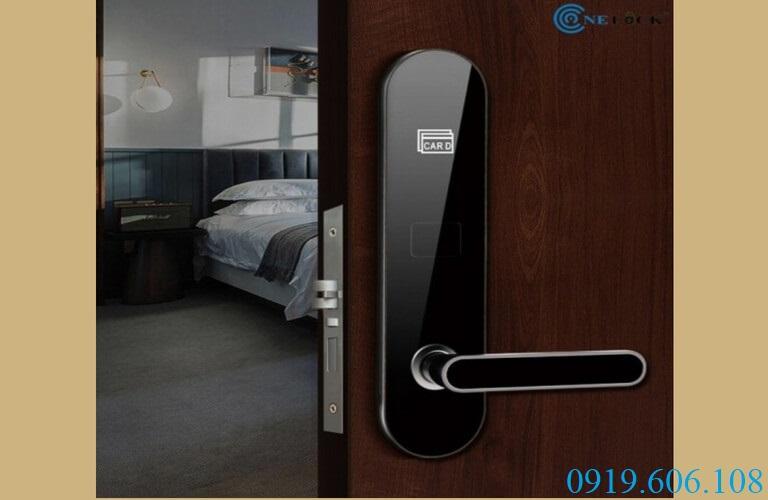 Khóa cửa từ giá rẻ OneLock HL009 nâng cao sự sang trọng, tính chuyên nghiệp cho khách sạn