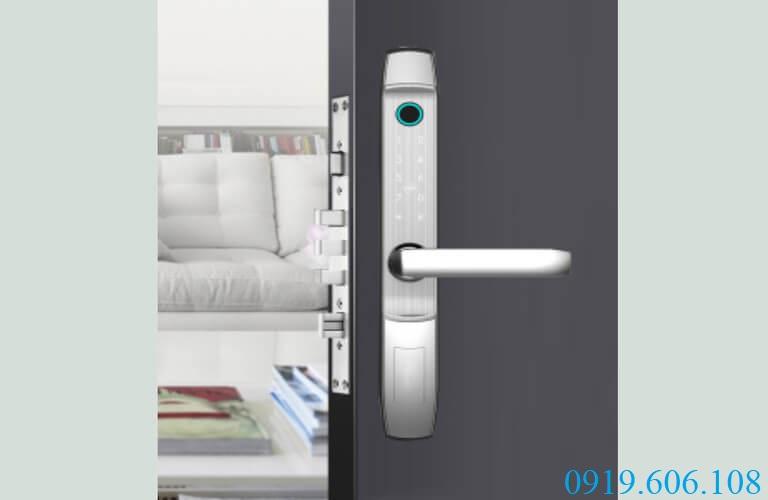 Khóa cửa vân tay thông minh OneLock XF008 tích hợp nhiều tính năng tiện lợi khi sử dụng