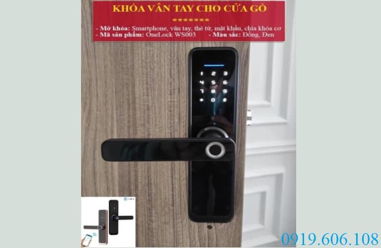 Sử dụng khóa cửa mở từ xa OneLock WS003 giúp cánh cửa thêm phần kiên cố, an toàn hơn