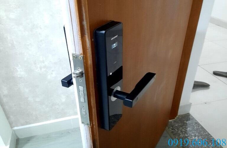 Khóa Viro Smart Lock 3in1 VR-G11A mang lại không gian sống an toàn