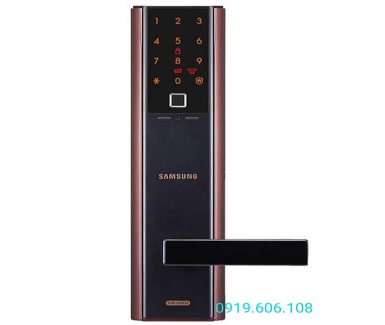 Khóa cửa vân tay Samsung SHP-DH538MU/EN với thiết kế sang trọng, tích hợp nhiều công nghệ hiện đại, độ bảo mật cao khi sử dụng