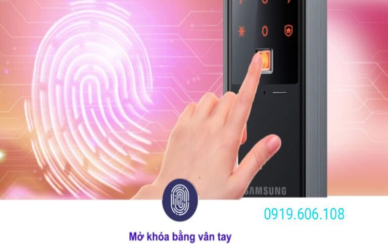 khóa cửa vân tay Samsung SHP-DH538MU/EN áp dụng công nghệ điện dung, mở khóa nhanh nhạy, khóa chống sao chép vân tay nên độ bảo mật cao