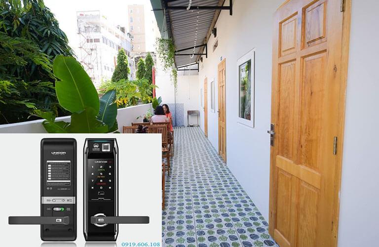 Sử dụng khóa điện tử quản lý homestay giúp theo sát được việc ra vào, mở khóa, xem lại lịch sử, kiểm soát được toàn bộ hệ thống homestay từ xa qua phần mềm