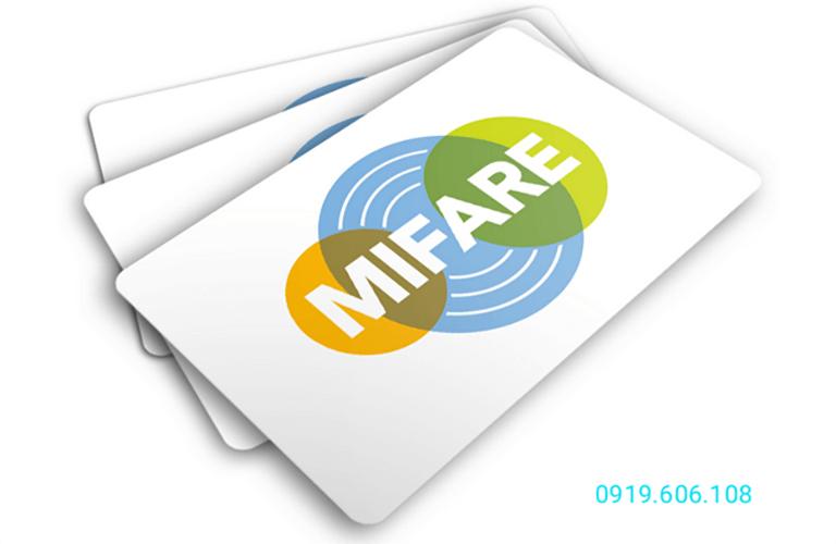 Thẻ Mifare là một công nghệ thẻ hiện đại, ứng dụng trong nhiều dòng khóa cửa điện tử thẻ từ, đảm bảo an ninh tốt khi sử dụng