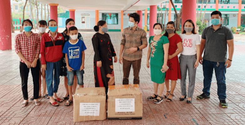 Mia Lock Việt Nam trao tặng 100 Laptop cho học sinh có hoàn cảnh khó khăn
